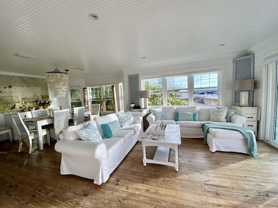 Spacious and bright living area with amazing views of the Gulf of Mexico.
