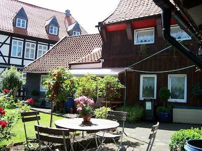Haus und Garten mit Parkmoeglichkeit fuer 2 Fahrzeuge