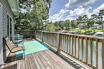 This 3-bed, 2-bath vacation rental condo is one of the best in Hot Springs!