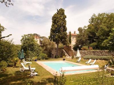 vue du Château à partir de la piscine