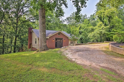 This 5-bedroom, 3-bathroom property is a perfect family vacation spot.