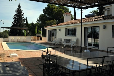 Luxury Villa In A Tranquil Setting. Vista Montaña. Ideal Retreat, Good Location