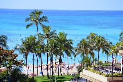 Check surf conditions from your balcony! 1 minute walk to Waikiki Beach.