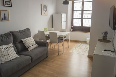 Monthly Rental .New Apartment in Albayzin with 1 bedroom.