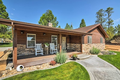 This Bryce Canyon vacation rental home is the perfect home base for 10 guests!
