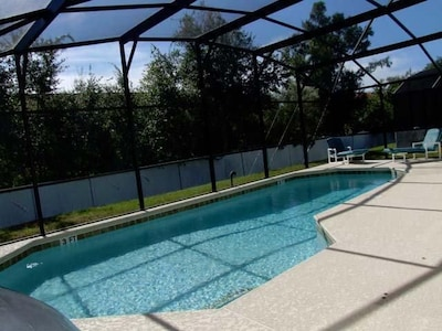 Pool is 3Feet - 5 Feet