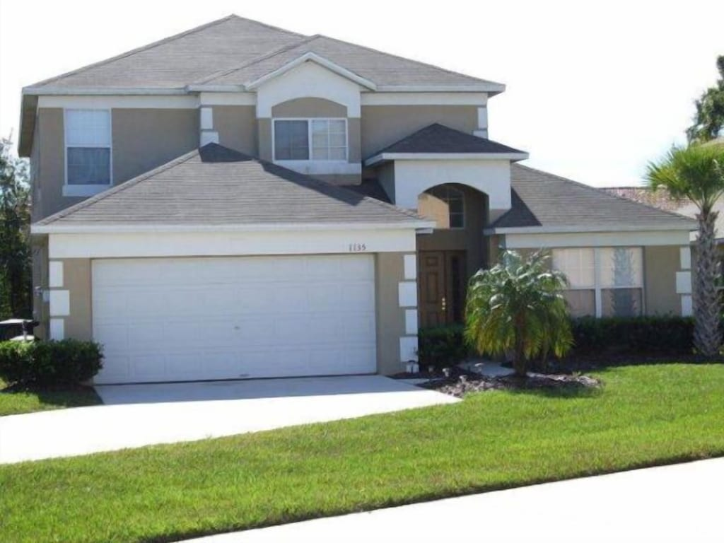 Beautiful 5 Bedrooms 4 Bathrooms Vacation Home With A Large South Facing Pool Seasons