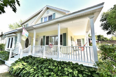 Big cozy house with 2 units, 5 bedrooms and 3 baths!