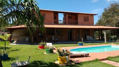 Casa/Suítes/Chácara Meaípe com piscina