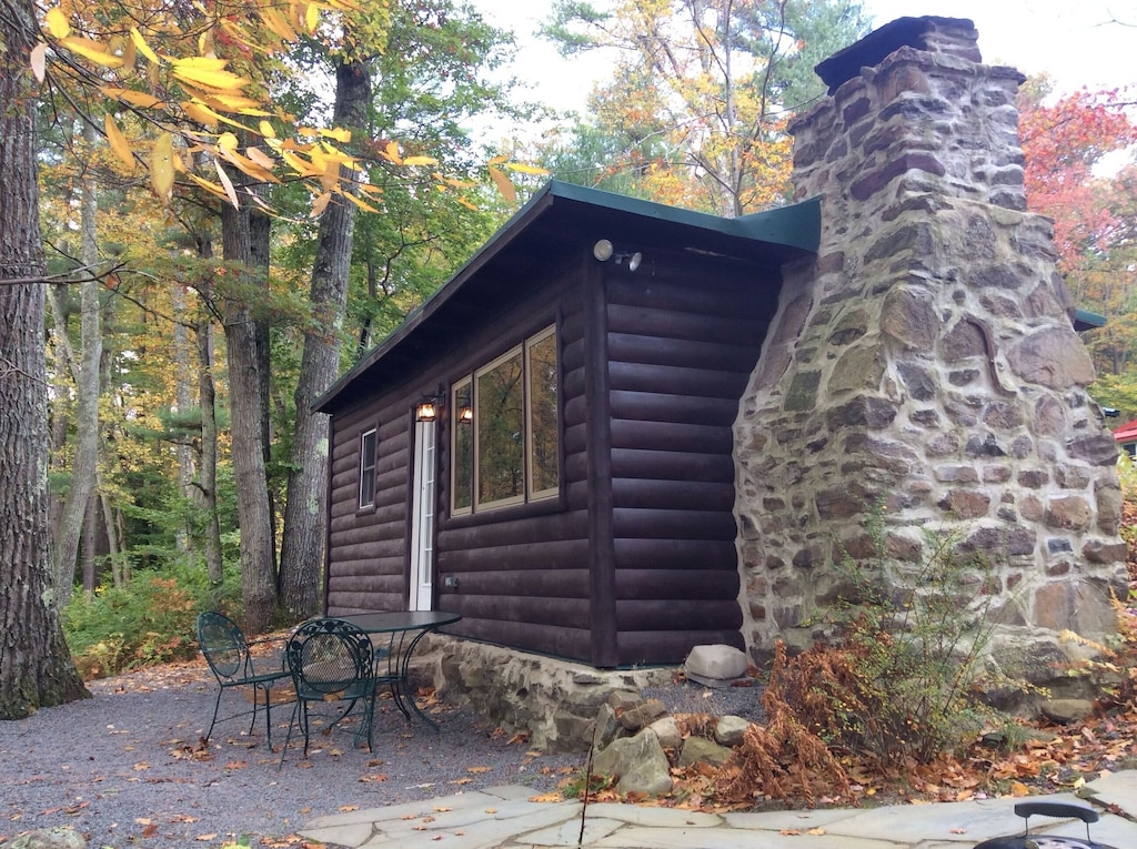 Front of the Cabin faces the Lehigh River.