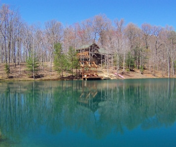 Log Home Over Looking Private Spring Fed Pond