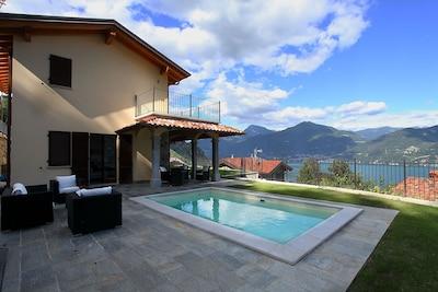 Villa Serena's privater pool
