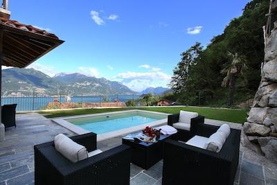 Veranda und Terrasse beim Pool