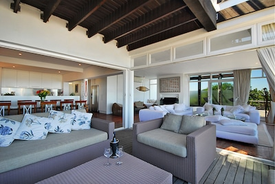 Lounge and deck