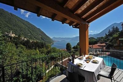 Privaten Balkon mit Blick auf den See