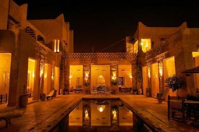 Le Palais des Sables à la nuit tombée