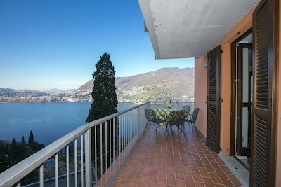 Apartment mit atemberaubende Ausblick auf den See
