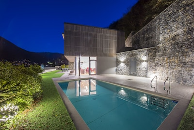 Villa private swimming pool with the glimpse of the lake