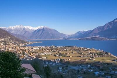 Ausblick über den See von der privaten Terrasse