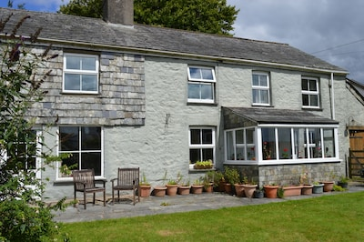 Rustic Old Stone Cottage in Rural Moorland Village - sleeps up to 10 guests