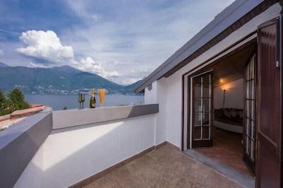 Private Terrasse mit wunderschönen Blick auf den See