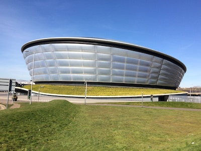 SSE Hydro 500m from Apartment.