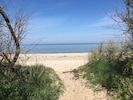 Kägsdorfer Strand - nur wenige Gehminuten durch die Felder entfernt
