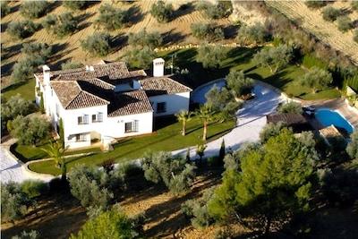 El Cobijo aerial view