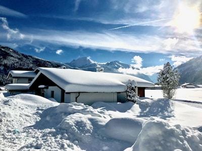 Ihr Ferienhaus - tief verschneit