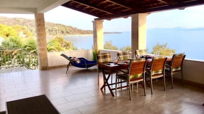 Nice holiday home in the 1st Row with a wonderful panoramic view of the sea