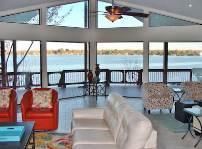 Gorgeous view! V-shaped floor to ceiling windows expand the amazing view!