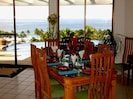 Festive dining and ample seating for 8 guests