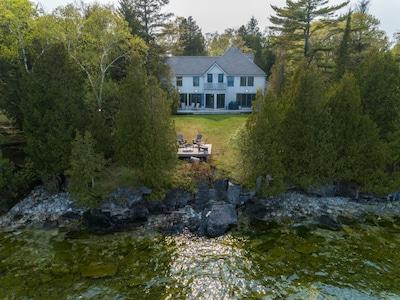 5 Lakefront Home Architect Designed, Lake House Rules Bedding