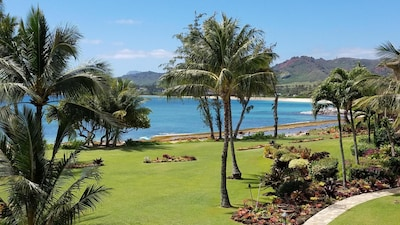 Fantastic view of the Wailua Bay and mountains from your lanai!