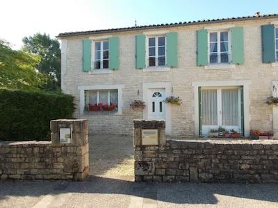 Saint-Fraigne, Charente, France