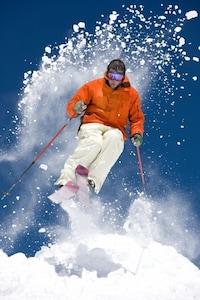 5 min walk to the slopes