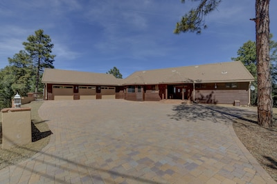 Street View of the Granite View Lodge
