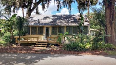 """""""Grace"""" Cottage Retreat front view"""