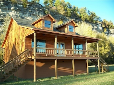 The Get Away Cabin  (Cabin 2)
