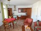 Küchenzeile und Essbereich für 4 Personen