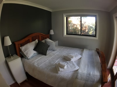 Main Bedroom - Queen size bed