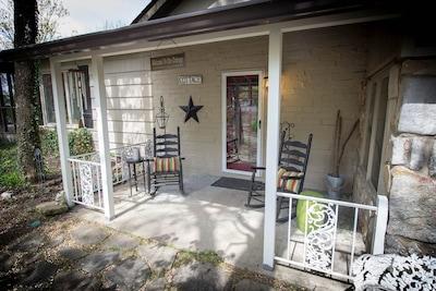 Stoneridge Cottage 1 Front Porch