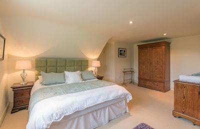 Master Bedroom (Super King Bed)