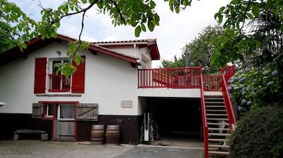 Appartement à l'étage dans jolie maison basque