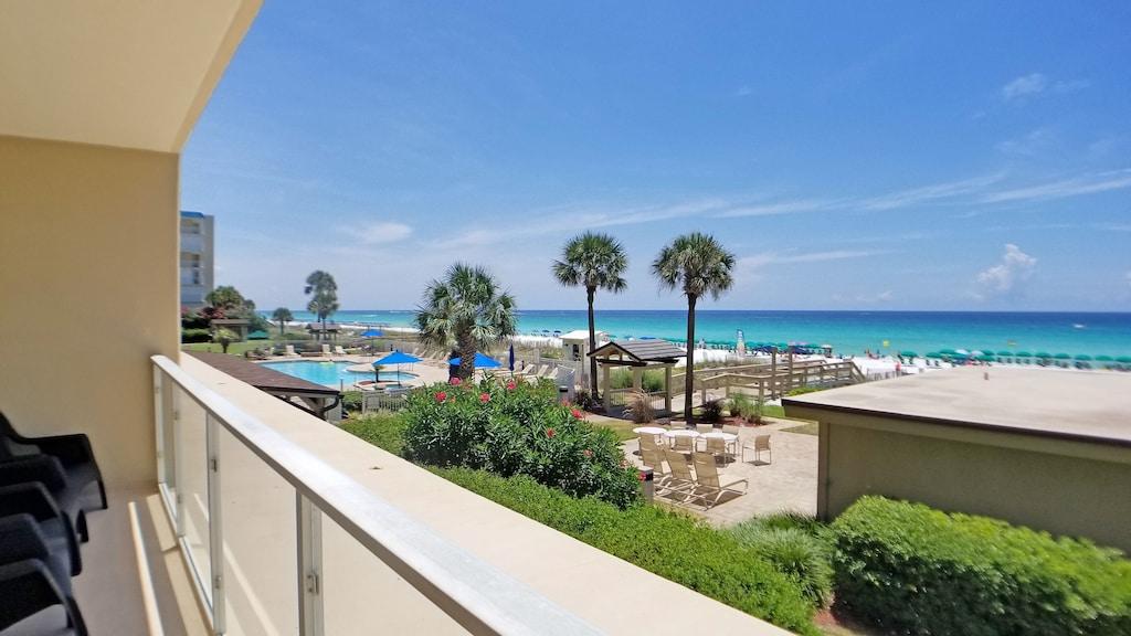 First Floor Panoramic Views Of Th Gulf Sleeps 9 Free Beach Chair Set Up Destin
