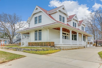 Welcome to the Avery Street Beach House in beautiful South Haven, Michigan!