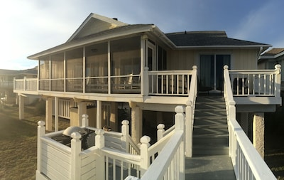 Grilling area and porch overlooking ocean
