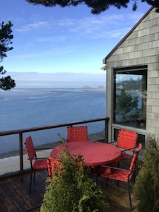 Private deck with 6 deck chairs and electric barbeque