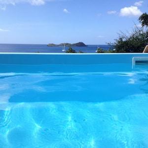 Location de vacances, vue panoramique sur la mer, proche plage Malendure