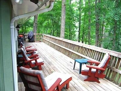 Deck overlooking the lakefront & backyard.